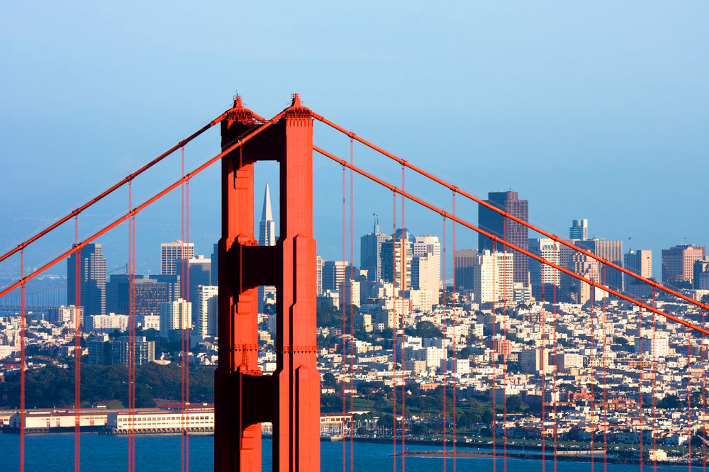 San-Francisco-Golden-Gate-Bridge-City-in-Background